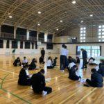 日置中学校も体育館で行われた総合授業